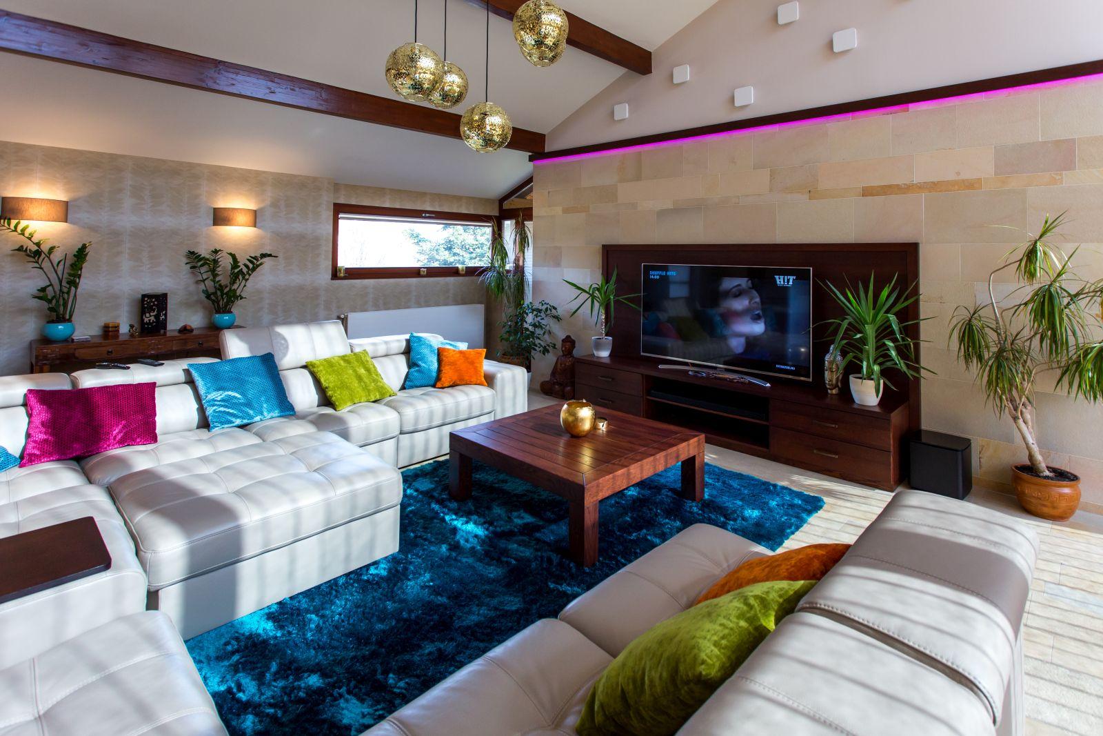 Tömör tölgyfa és tölgyfa furnérozott nappali