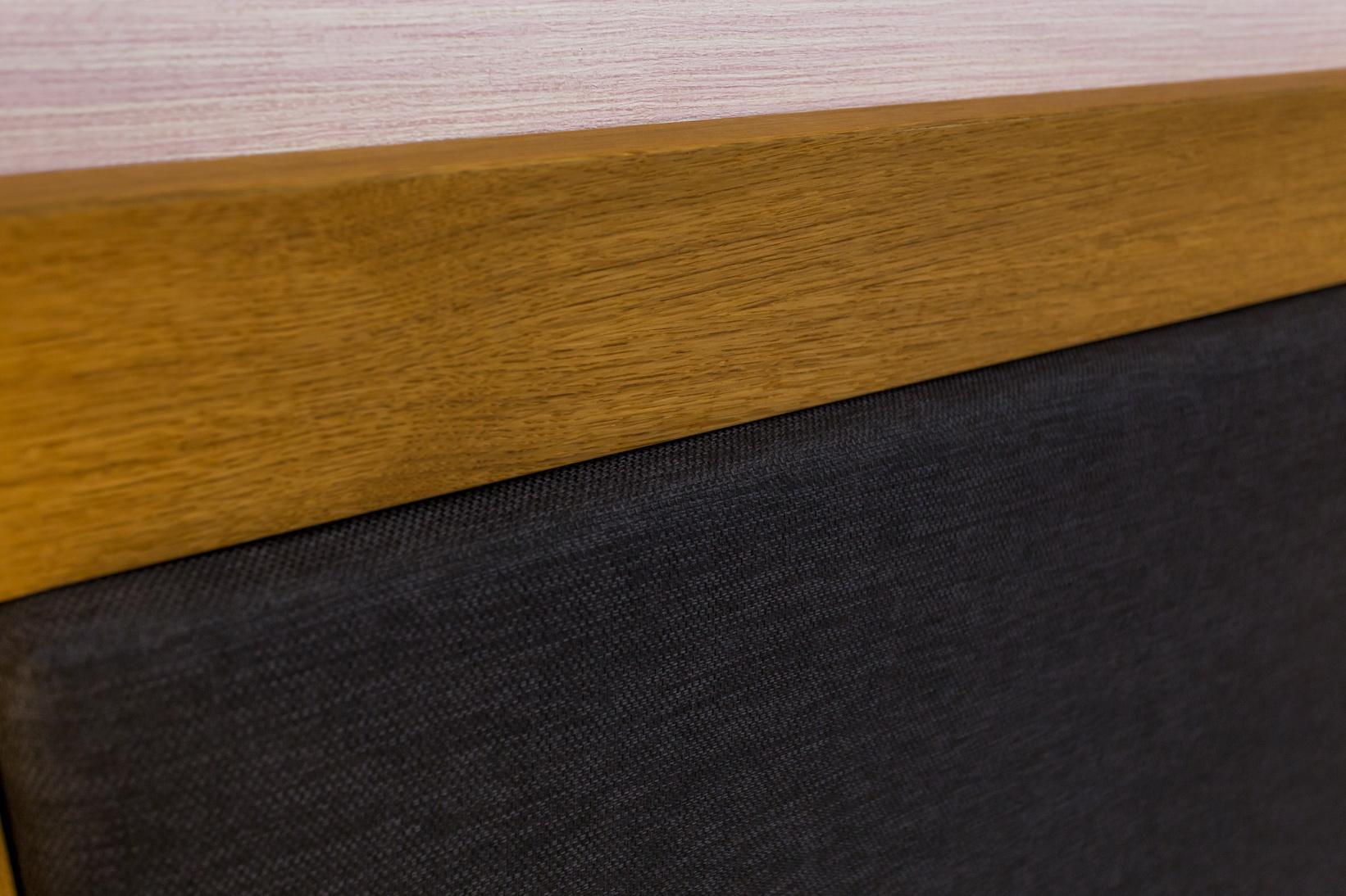 Tölgyfa furnérozott és MDF hálószoba bútor