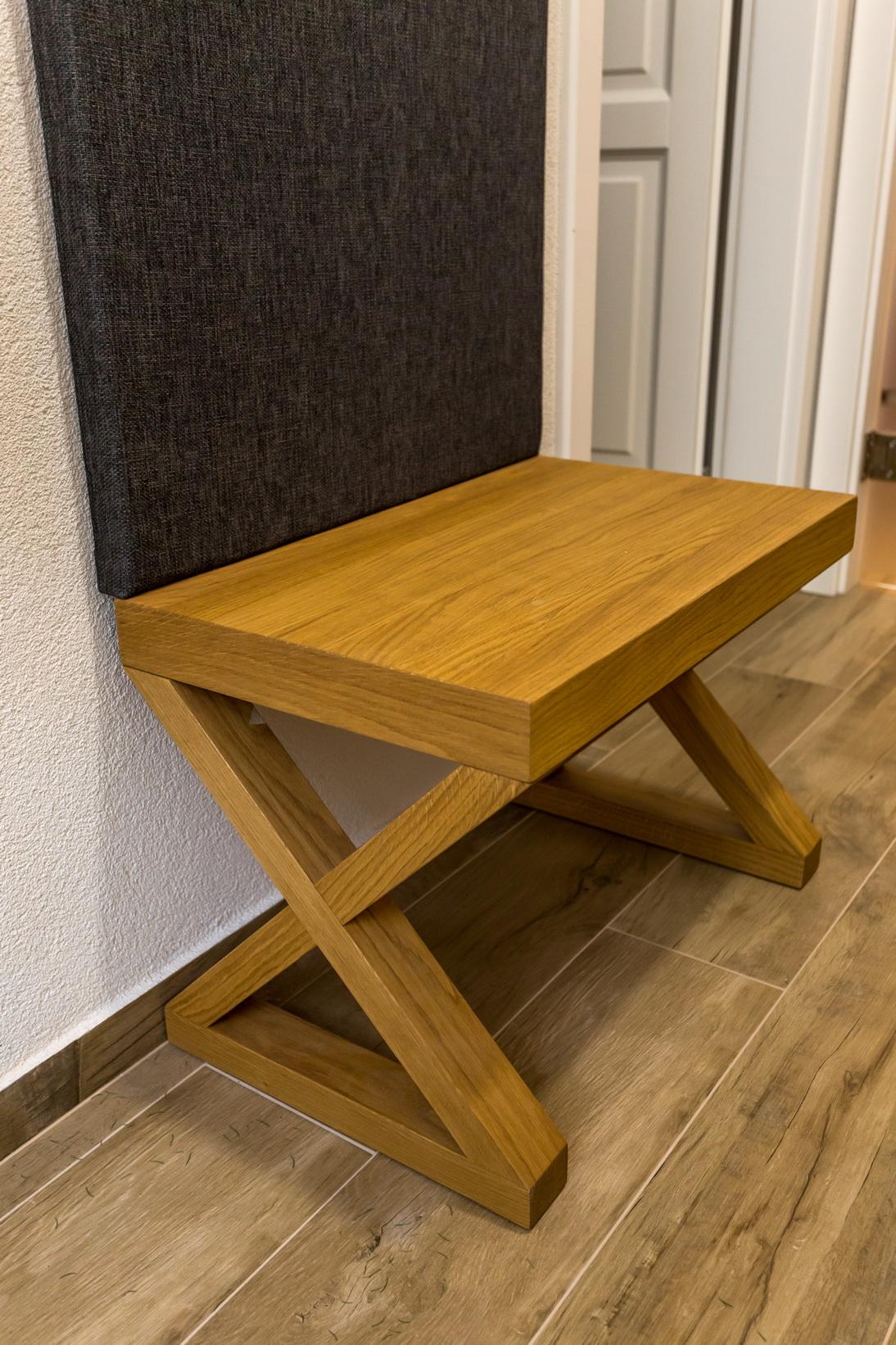 Tölgyfa furnéros előszoba bútor