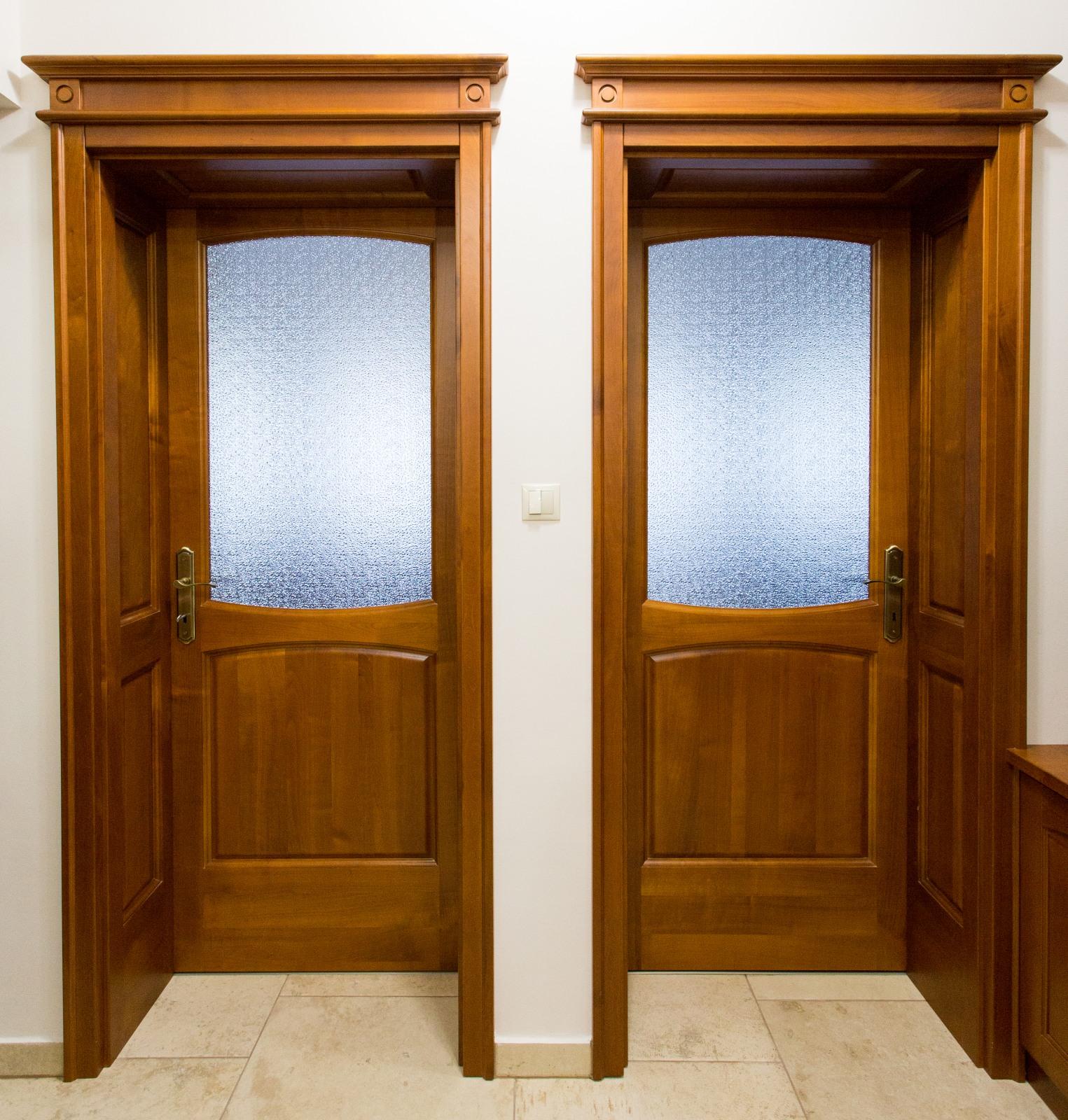 Exkluzív, tömör cseresznyefa beltéri ajtó