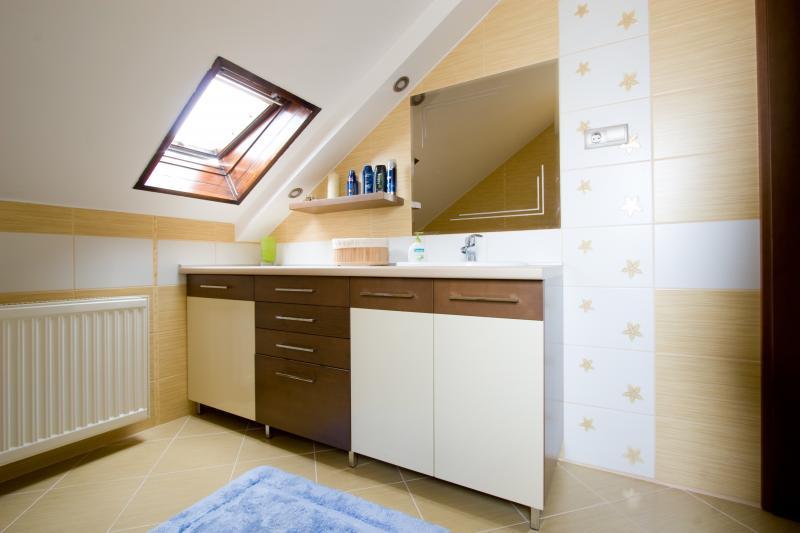 Egyedi tervezésű fürdőszoba bútor