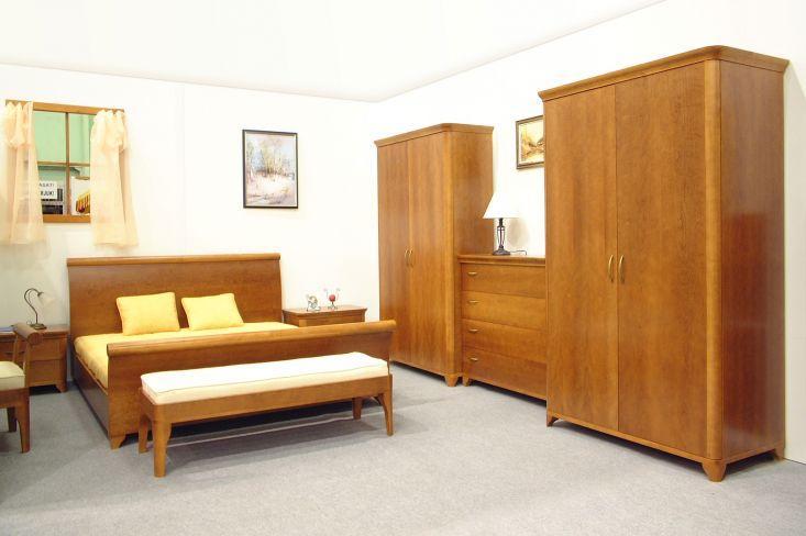 Klasszikus cseresznyefa hálószobabútor