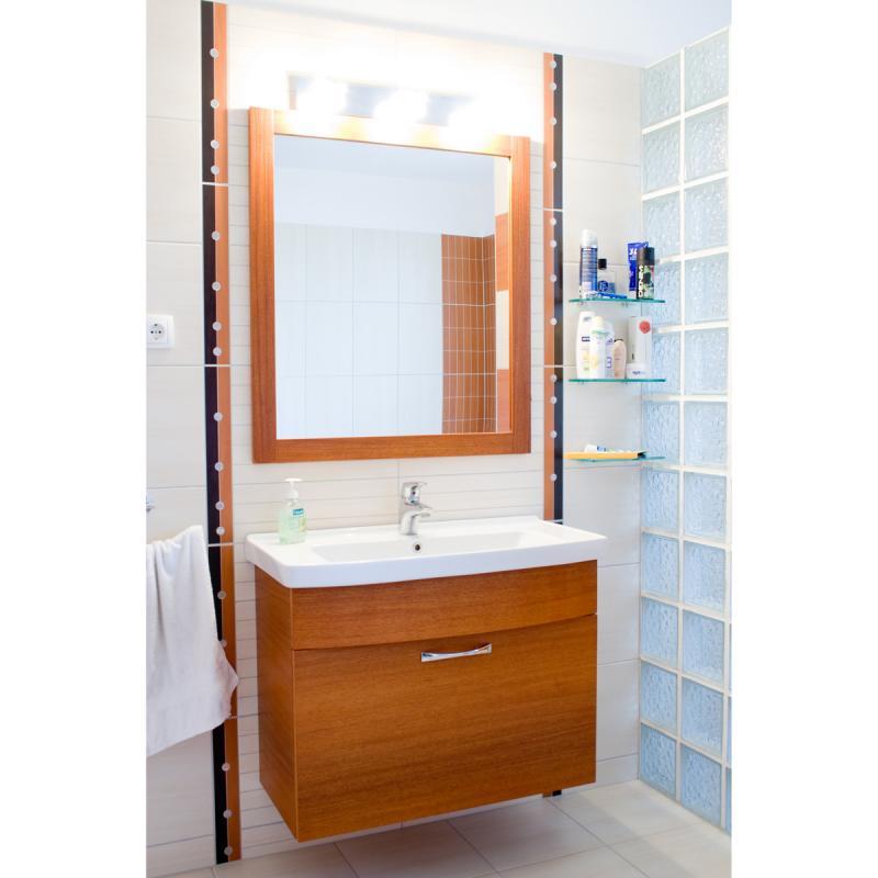 Meranti egzóta fürdőszoba bútor