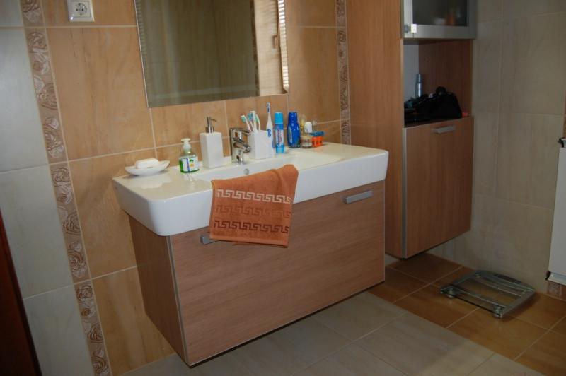 Modern stílusú fürdőszoba